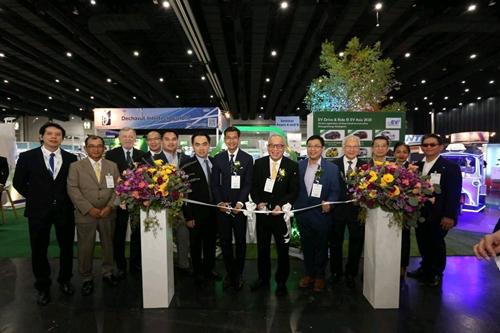 เอเอเอสฯ ส่ง ปอร์เช่ ไทคานน์ ร่วมกิจกรรม EV Drive & Ride ภายในงาน EV Asia 2020