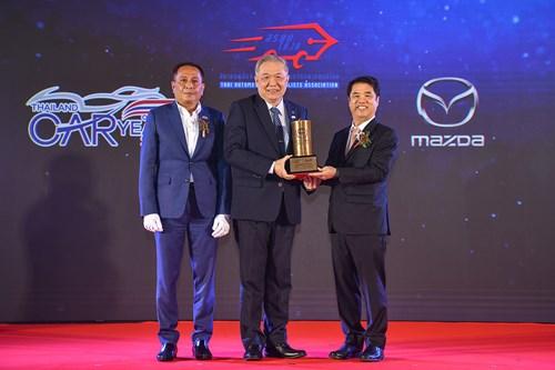 มาสด้า CX-30 สุดยอดรถยนต์แห่งปีคว้ารางวัลรถยนต์ยอดเยี่ยม