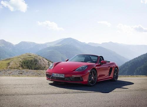 ปอร์เช่ 718 จีทีเอส ใหม่ (The new Porsche 718 GTS) ปรับแต่งดีไซน์สไตล์สปอร์ต