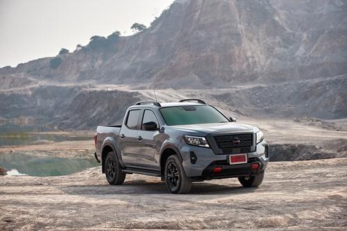 Nissan Navara  PRO-4X  ดุดัน แข็งแกร่ง ตามแบบฉบับสปอร์ตออฟโรดมากยิ่งขึ้น